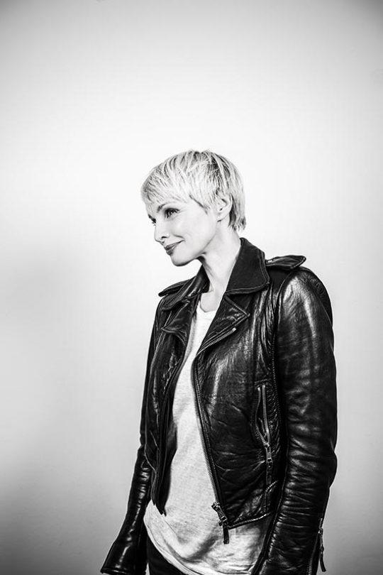 Susann Atwell/ Moderatorin